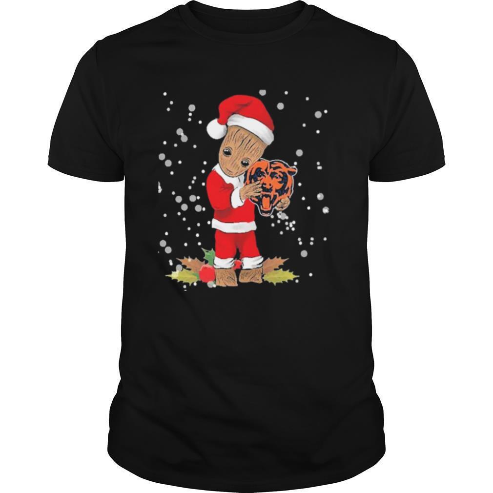 Santa Baby Groot Hug Chicago Bears Christmas shirt