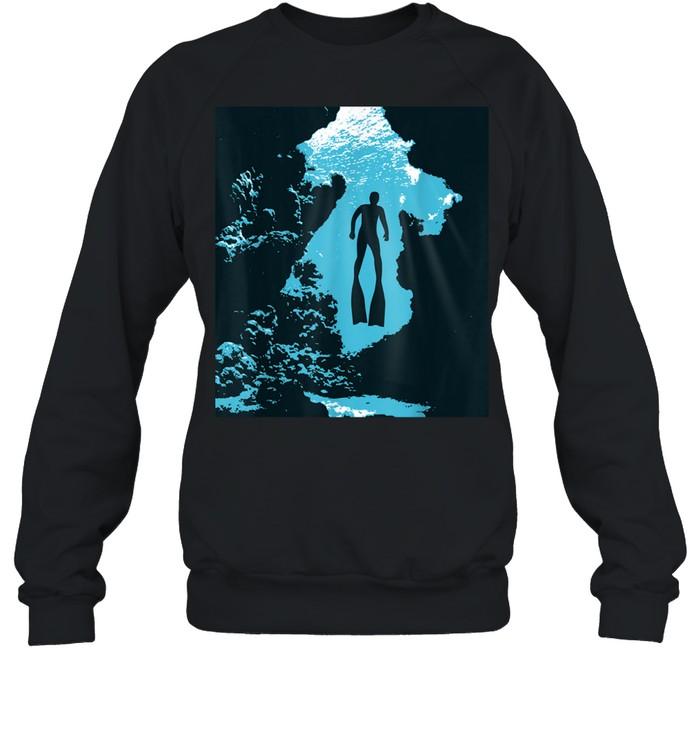 Freediving Apnea Freediver swimming depth in midwater shirt Unisex Sweatshirt