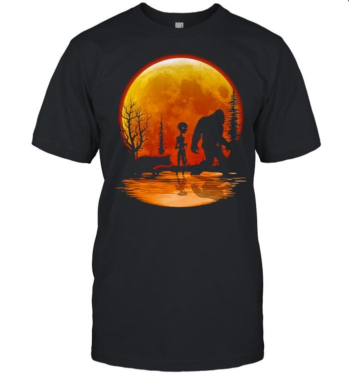 Bigfoot Alien Dog Orange Moon T-shirt Classic Men's T-shirt