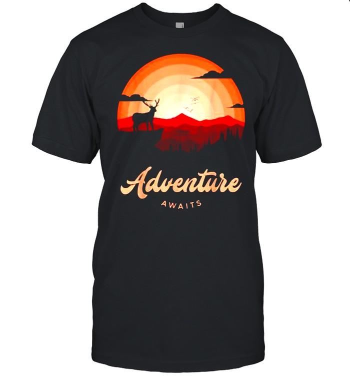 Adventure Awaits Vintage Sunset Mountain Deer Forest T- Classic Men's T-shirt