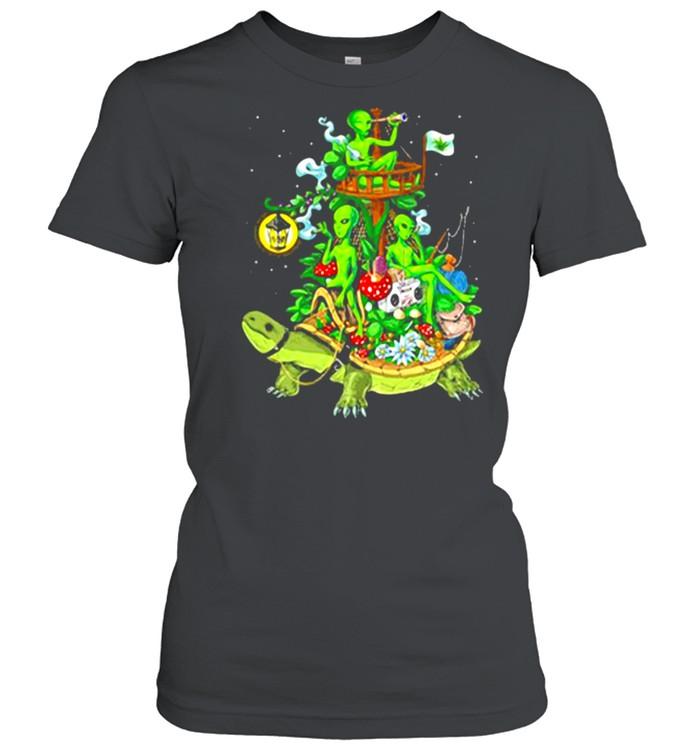 Alien Riding Turtle smoking shirt Classic Women's T-shirt